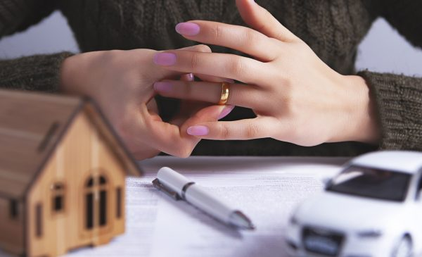 divorce contract ring